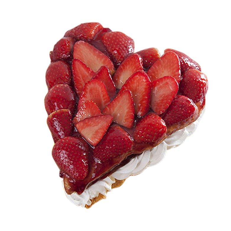 Tarta corazón de hojaldre con fresas